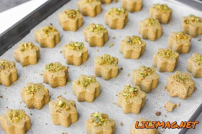 طرز تهیه شیرینی نخودچی زنجبیلی چگونه است؟